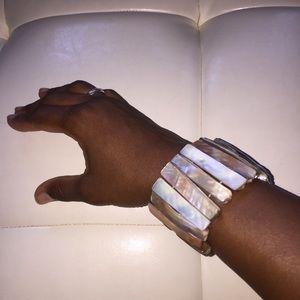Jewelry - Unique shell bracelet